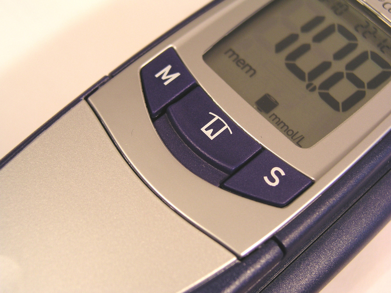 blood-glucose-measure-diabetes-check-1195302-1280x960